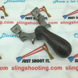 Dragon slingshot with rotatable tip