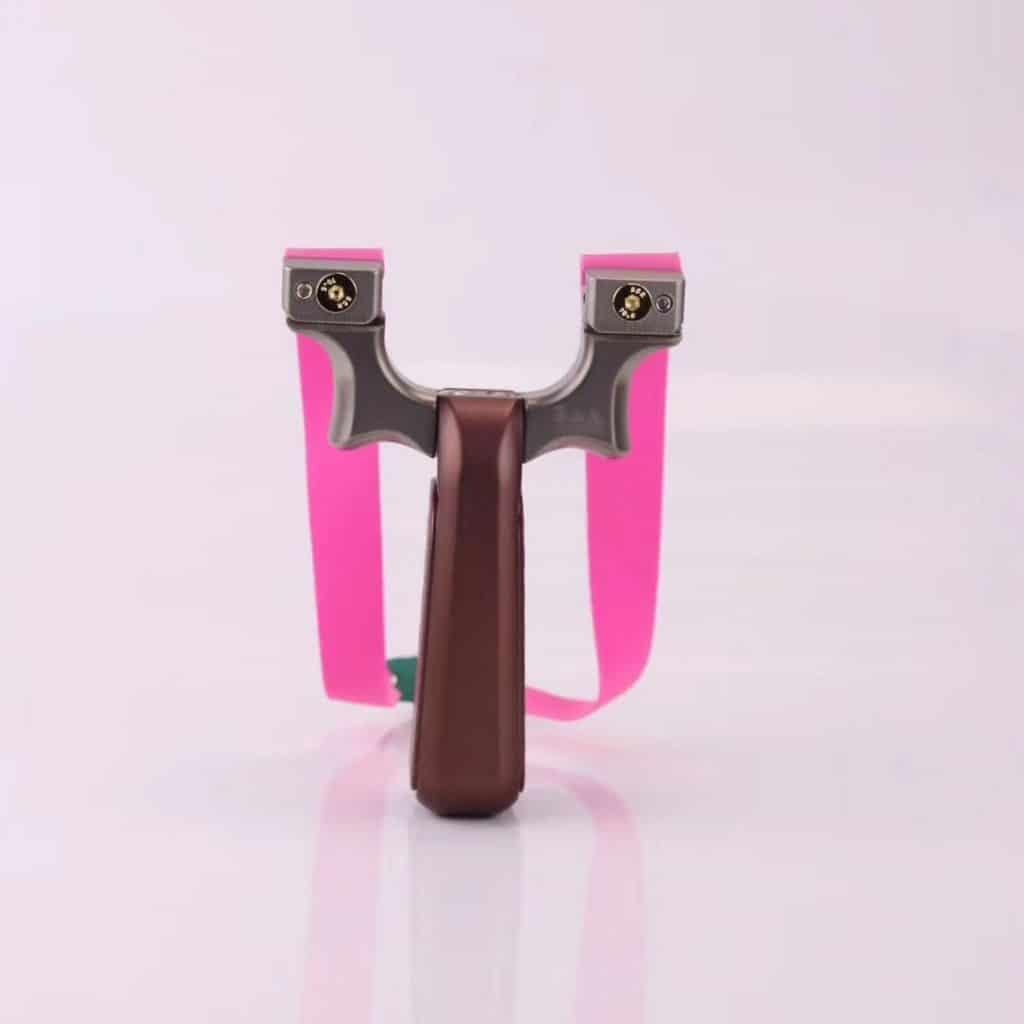 Slingshot with adjustable fork width